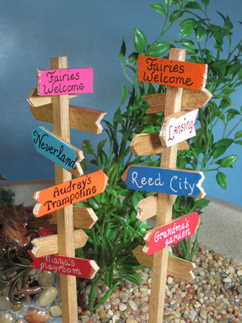 Signpost For Fairy Gardens By Wee Brigadoon Contemporary
