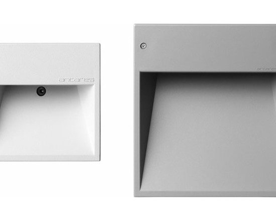 Box Led Outdoor Step Light By Flos Lighting - Box and Box Mini by Flos are LED outdoor lights. Indoor/Outdoor LED path lights. Die-cast aluminum front ring.