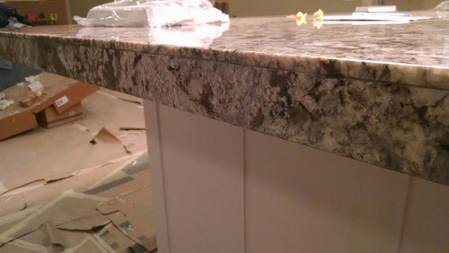 Is this what a mitered granite edge should look like for 2 thick granite