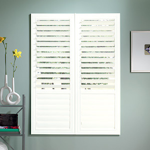 Bali EuroVue Shutters: 3 1/2-inch Louvers contemporary
