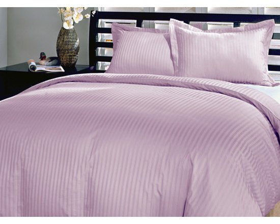 600TC Stripe Lilac Flat Sheet & 2 Pillowcases - Redefine your everyday elegance with these luxuriously super soft Flat Sheet. This is 100% Egyptian Cotton Superior quality Flat Sheet that are truly worthy of a classy and elegant look.