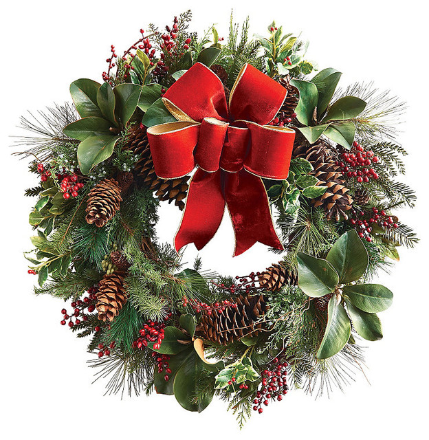 Williamsburg Holly Christmas Wreath With Bow Traditional: traditional outdoor christmas decorations
