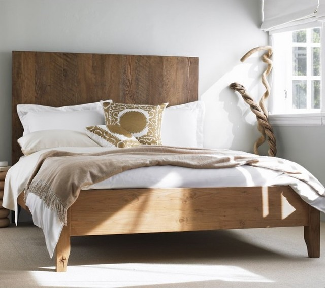 Plank Vintage Bed traditional beds