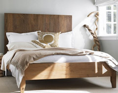 Plank Vintage Bed traditional-beds