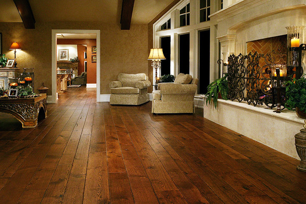 Colors for living room with wood floors 2017 2018 best for Traditional flooring
