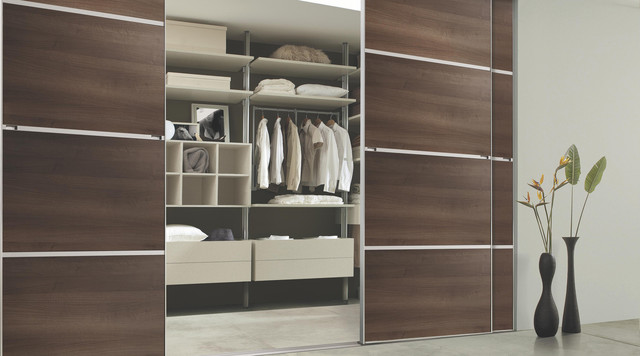 Built in wardrobe b q built in wardrobes uk for B q bedrooms fitted
