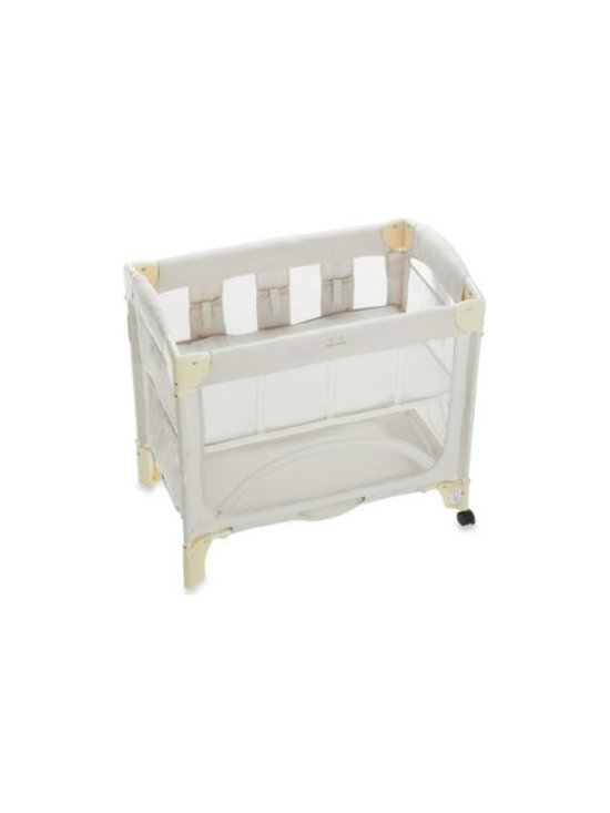 Arm's Reach - Arm's Reach Mini Co-Sleeper in Natural - This bedside bassinet securely attaches to the parental bed. Easy access to infant at night makes it great for breastfeeding, bonding and just comforting.