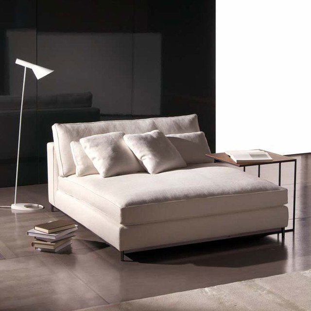 Minotti albers day bed modern daybeds by switch modern for Chaise longue day bed