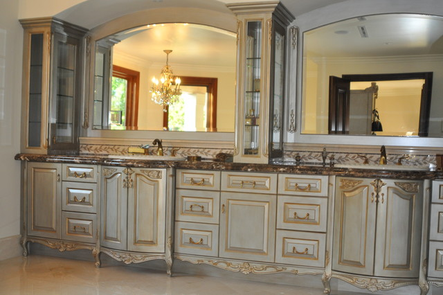 MASTER BATH DOUBLE SINK,SILVER OYSTER FINISH WUTH RADIUS FRONTS BY EACH SINK traditional
