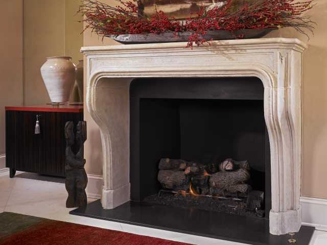 The Aixoise Mantel fireplaces