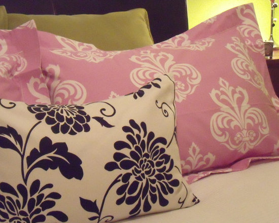 Bed Cushions - How to mix and match patterns to create a cheerfull look