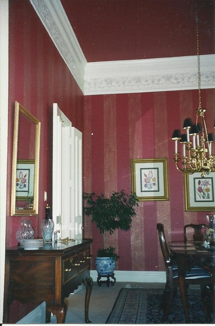 Wall magic ! traditional-dining-room