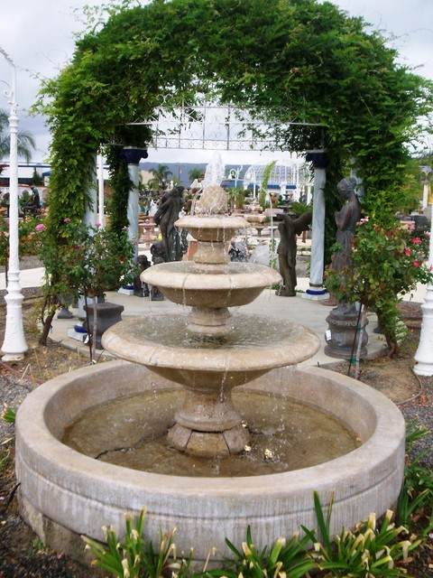 Soothing waters traditional-outdoor-decor