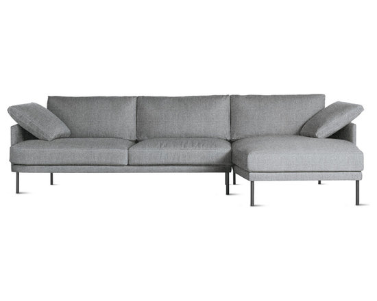 Camber Full Sectional in Fabric, Right, Onyx Legs -