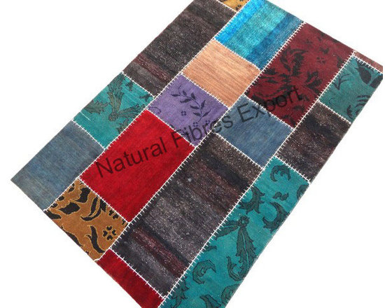Natural Fibres Export : Fine Furnishing Products - Natural Fibres Export is a manufacturer and exporter of home furnishing producs. This designer carpet flooring is made by quality material.