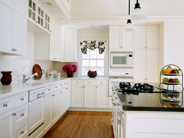 White Shaker Kitchen Cabinets Home Design - traditional - kitchen ...