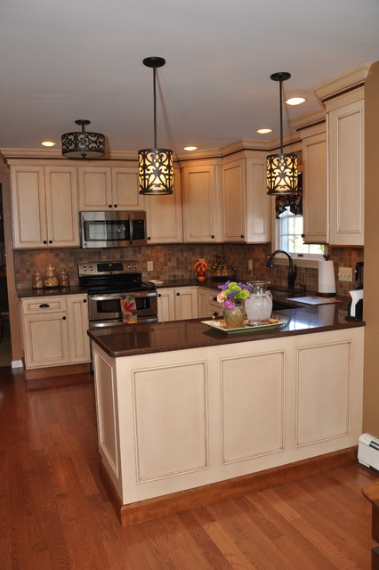 Semi-Custom Medium Sized Kitchen - Traditional - other ...