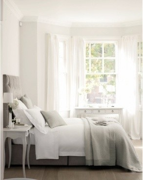 Will mahogany furniture ruin the airy feeling in my light for Airy bedroom ideas