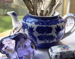 Thrift Shop Teapot traditional-kitchen