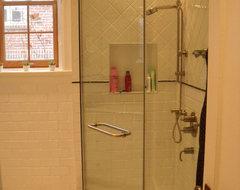 Studio NOO Design traditional-bathroom