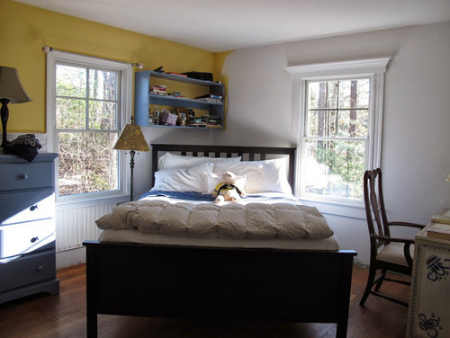 Thanks - Decorate a contemporary king bed in a corner ...
