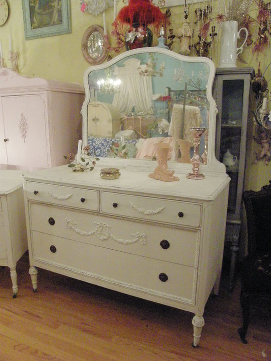antique dresser white shabby chic distressed appliques swags roses mirror - a wonderul antique dresser in mahogany painted white with distressing i have added wonderful appliques with swags and wreaths with roses