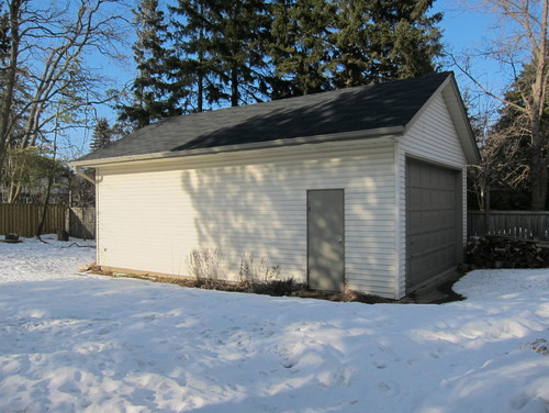 Converting a garage into a pool house for Pool house garage