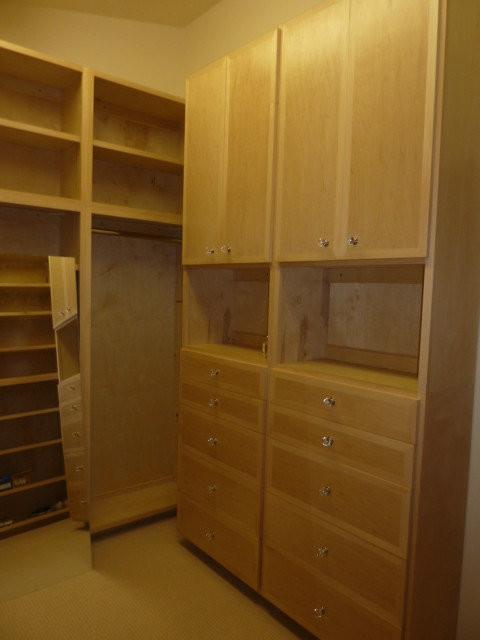 Closets traditional-closet-organizers