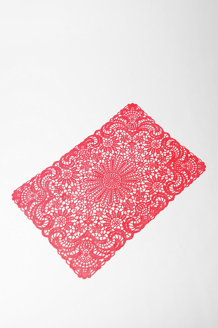 Doily Placemat, Red contemporary-placemats