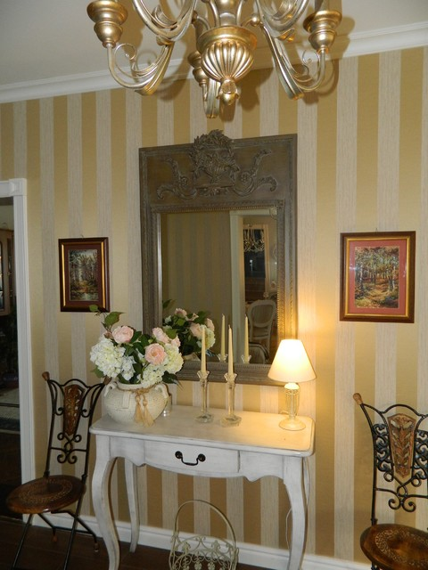 Home N traditional-dining-room