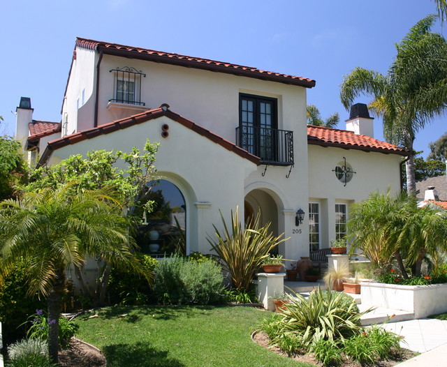 Early California Style traditional exterior