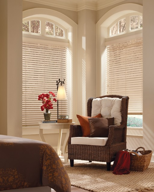 Parkland ™ Classics ™ Wood blinds- Hunter Douglas traditional-venetian-blinds