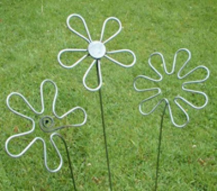 3 Flowers from Iron Vein contemporary-garden-statues-and-yard-art