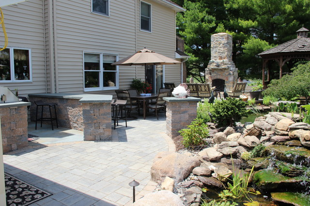 Outdoor Kitchen Area traditional
