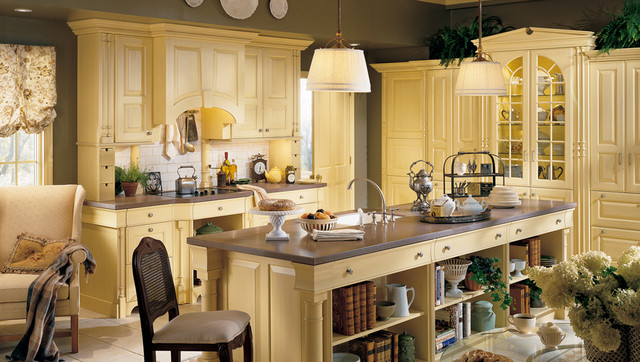 Wood-Mode/Brookhaven Products farmhouse-kitchen