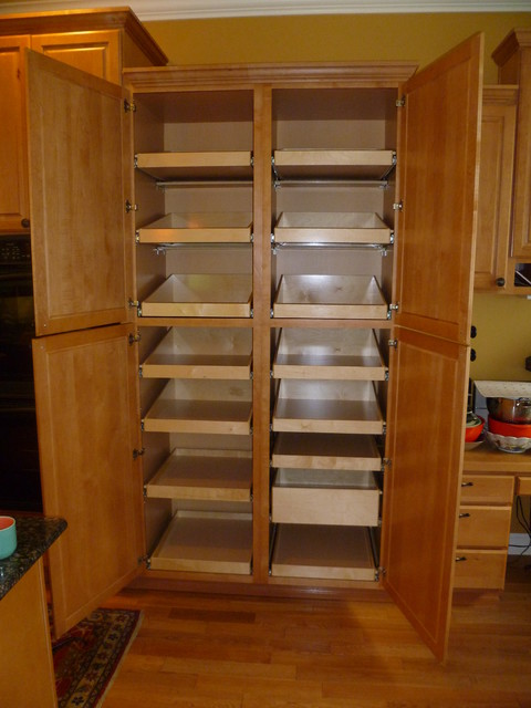 Cabinet pantries seattle by shelfgenie of seattle for Kitchen pantry cabinet plans