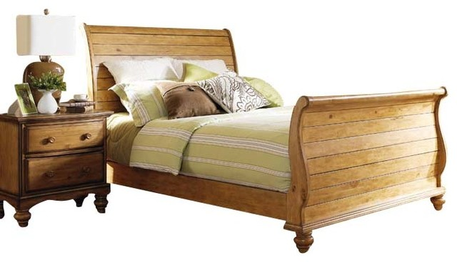 Hillsdale Hamptons 5 Piece Sleigh Bedroom Set In Weathered Pine King