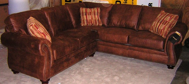 Broyhill Laramie Sectional Traditional Sectional Sofas