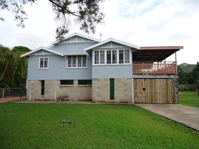Queenslander renovation townsville townsville by for Home designs townsville