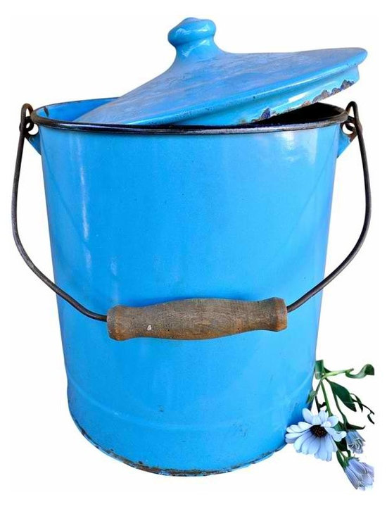 Enamel covered pail - I love vintage pails...So useful for storage, cool for display and practical for harvesting in your garden. This vintage enamel pail is unique with its fitted cover and wooden handle. It is in good conditon and a really pretty shade of blue. It is as found.