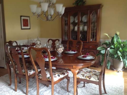 Updating 1980s queen anne dining table, hutch and buffet ...