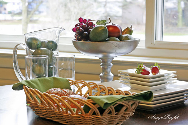 StageRight Home Staging traditional-dining-room