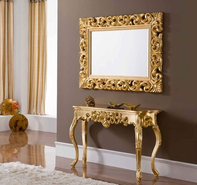 Console With Cabriole Legs And Mirror Set In Gold