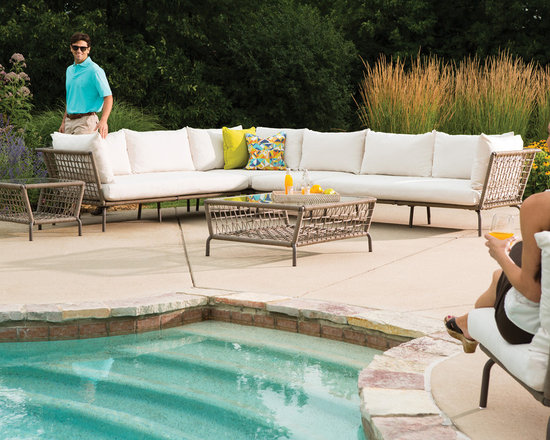 Lloyd Flanders SoHo Collection Poolside Sectional - Lloyd Flanders SoHo Collection Poolside Sectional invites imaginative solutions to outdoor spaces.