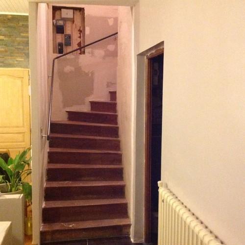 Quel couleur pour mes contre marche - Couleur mur escalier ...