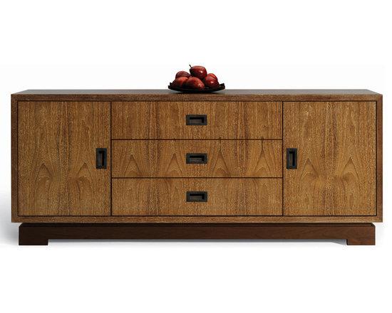 Stratus Cabinet -