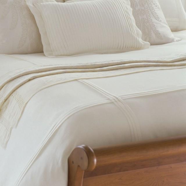 linen pleated duvet traditional-duvet-covers-and-duvet-sets