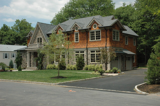 Harvey Drive traditional-exterior