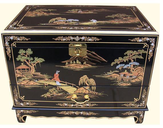 Asian bay side trunk