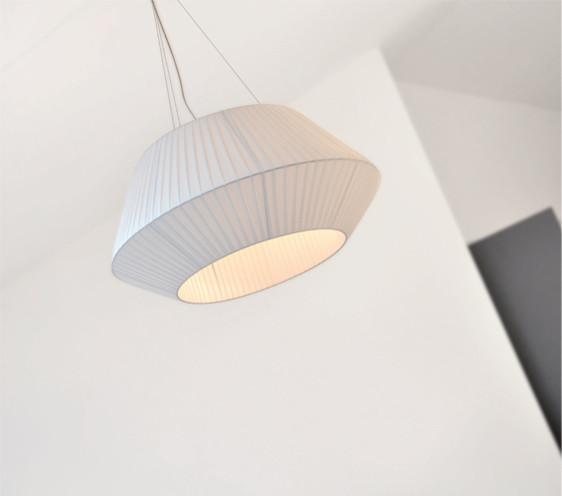 Pendant Lighting by dixheuresdix.com